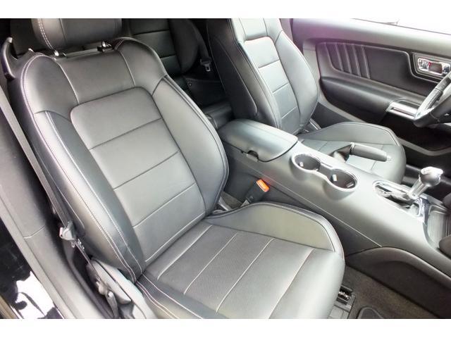 フォード フォード マスタング エコブースト プレミアム コンバーチブル アップルカープレイ
