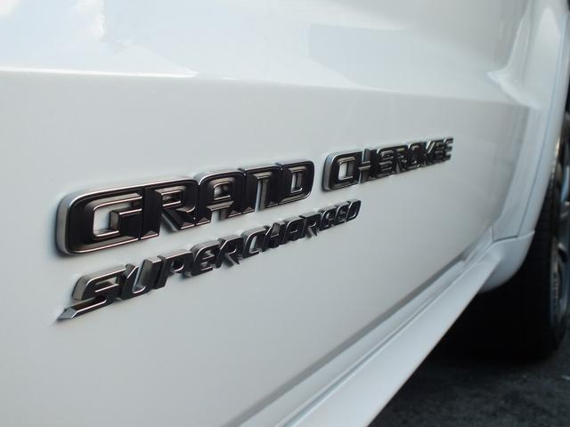 クライスラー・ジープ クライスラージープ グランドチェロキー トラックホーク 新車 左ハンドル 707hp
