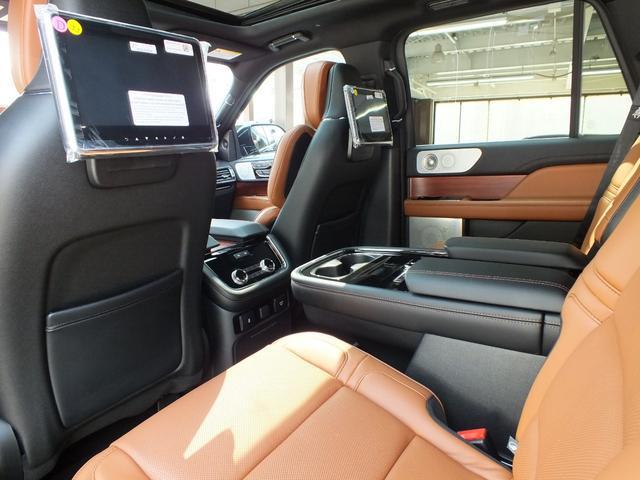 「リンカーン」「リンカーン ナビゲーター」「SUV・クロカン」「兵庫県」の中古車7