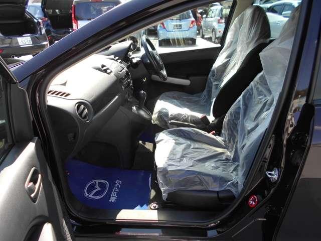 フロントシートもゆったり!