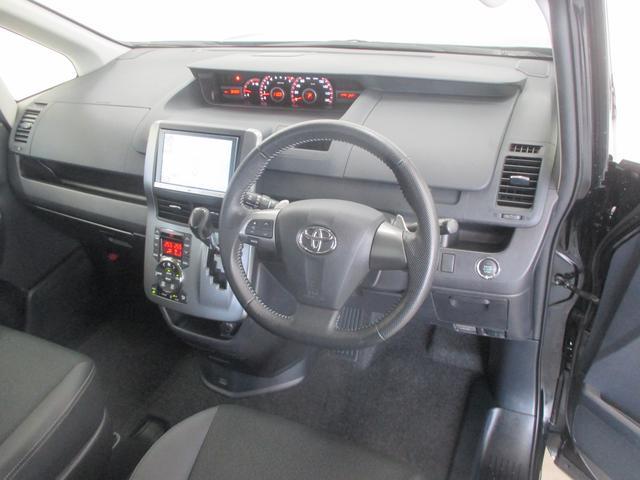 トヨタ ヴォクシー ZS 煌III