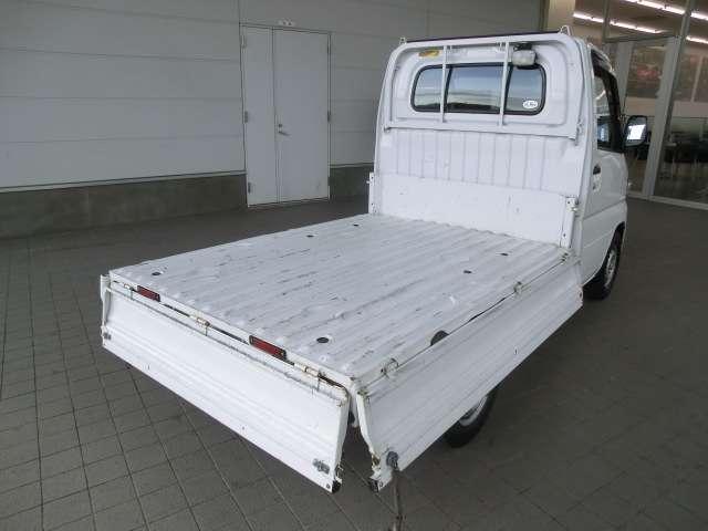 660 楽床ダンプ 4WD エアコン・パワステ(4枚目)