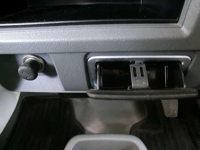 660 楽床ダンプ 4WD エアコン・パワステ(9枚目)