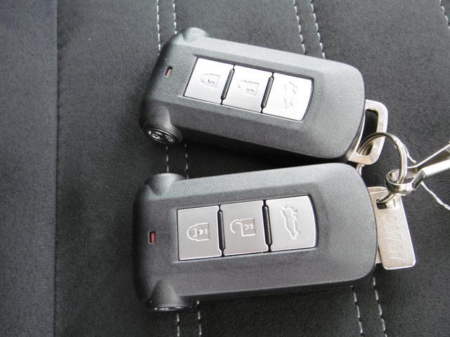 「三菱」「アウトランダーPHEV」「SUV・クロカン」「兵庫県」の中古車20