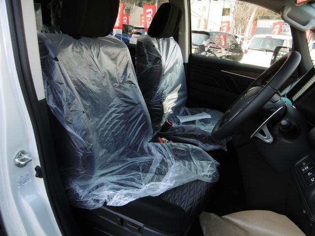 乗り心地の良い運転席、助手席シート!ロングドライブも楽にできます!