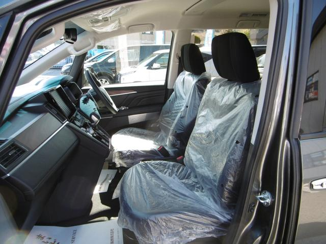 乗り心地の良い運転席、助手席シート!シートヒーター(運・助)やパワーシート(運)も装備!