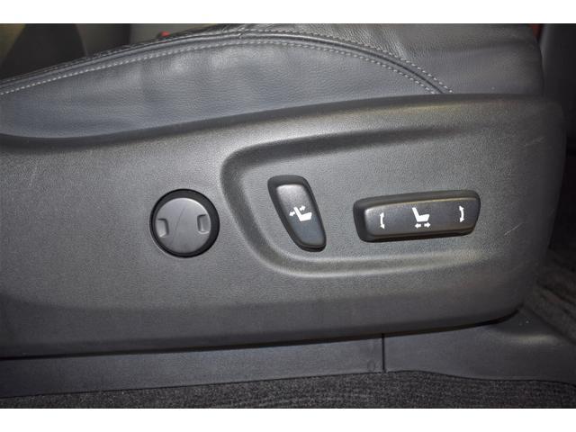 当社自慢の洗浄・商品化技術でシート内装がキレイ!丸ごと洗浄したU-Carをお客様へご提供します。すみずみまで徹底的にピカピカ仕上げ。消臭&除菌も全てカラダにやさしい天然の洗剤を使用しています。