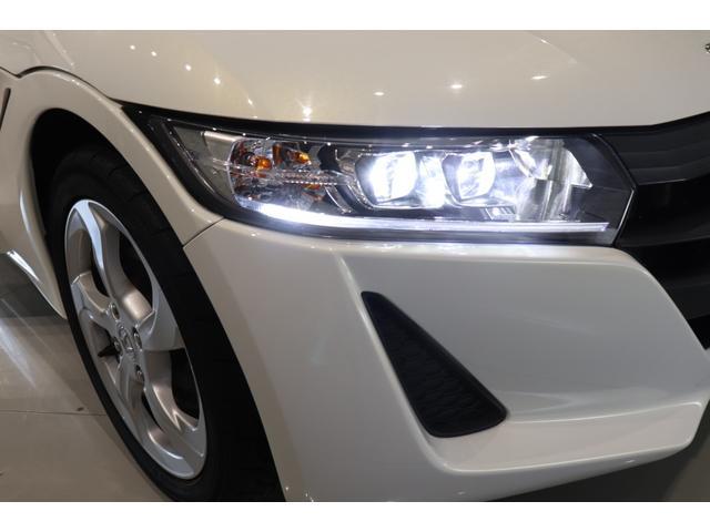 β 盗難防止システム ドライブレコーダー AW LEDヘッドランプ ETC ステアシフト オートライト スマートキー 運転席エアバッグ 助手席エアバック USB入力端子 ABS ESC パワーウインドウ(14枚目)