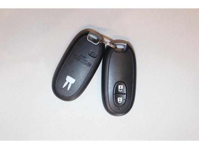 XL 盗難防止システム 衝突安全ボディ アルミホイール アイドリングストップ スマートキー 電動格納ミラー パワーステアリング オートエアコン パワーウィンドウ シートヒーター CD カーラジオ(8枚目)