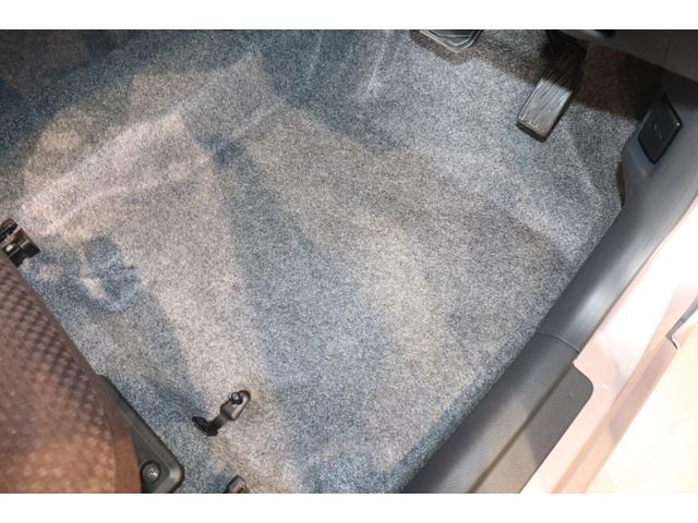 XL 盗難防止システム 衝突安全ボディ アルミホイール アイドリングストップ スマートキー 電動格納ミラー パワーステアリング オートエアコン パワーウィンドウ シートヒーター CD カーラジオ(10枚目)