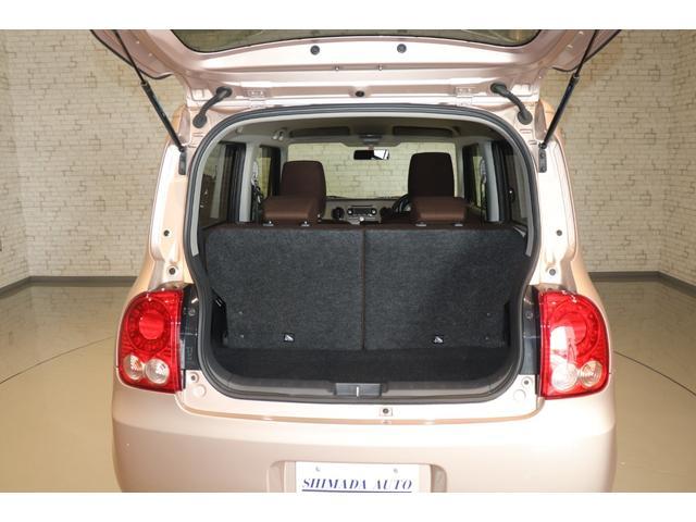 XL 盗難防止システム 衝突安全ボディ アルミホイール アイドリングストップ スマートキー 電動格納ミラー パワーステアリング オートエアコン パワーウィンドウ シートヒーター CD カーラジオ(12枚目)