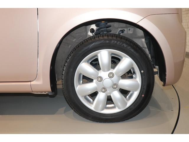 XL 盗難防止システム 衝突安全ボディ アルミホイール アイドリングストップ スマートキー 電動格納ミラー パワーステアリング オートエアコン パワーウィンドウ シートヒーター CD カーラジオ(18枚目)