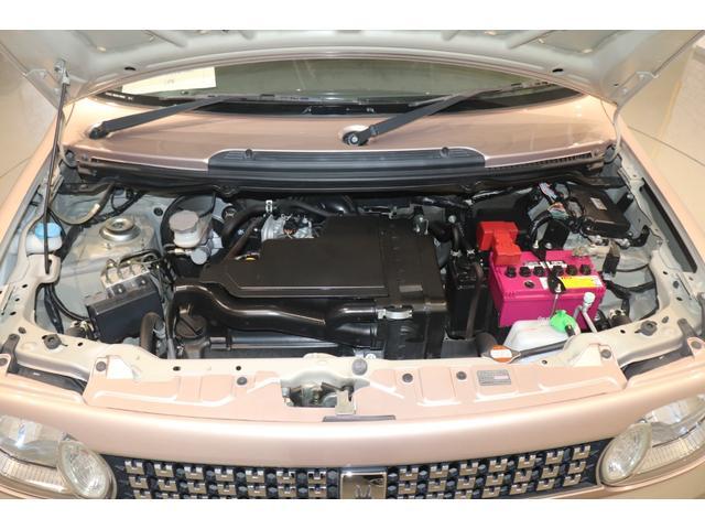 XL 盗難防止システム 衝突安全ボディ アルミホイール アイドリングストップ スマートキー 電動格納ミラー パワーステアリング オートエアコン パワーウィンドウ シートヒーター CD カーラジオ(19枚目)