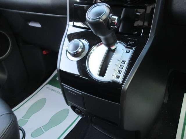 三菱 デリカD:5 ローデストロイヤルツーリング ディーゼル4WDメモリーナビ