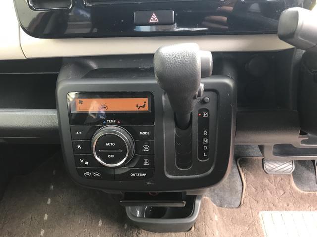 インパネAT(CVT)です。オートエアコンも搭載で車内でも快適に過ごせます!