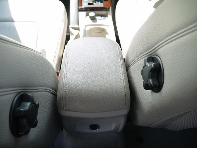 「ボルボ」「V50」「ステーションワゴン」「兵庫県」の中古車26