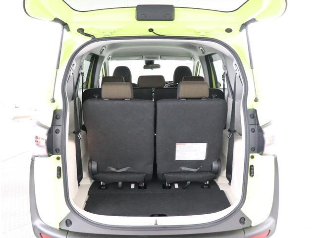トランクルームは広々でサードシートを収納すると大きな荷物も載せれます!!