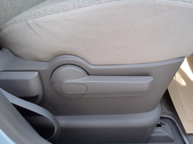 ドライバーの視線の高さに合わせて座面の高さ調整が可能です♪