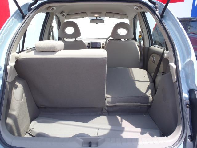 トノボードを外して後席は分割シートですのでお荷物に合わせてアレンジすることが可能です♪