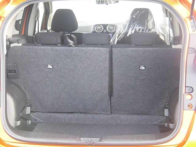 4名乗車でも、ベビーカー(A、B、AB兼用型)を1台積載することが可能。