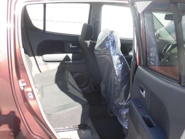 ゆったり空間がさらに広がる、リヤシートスライド!快適な乗り心地をサポートしています!
