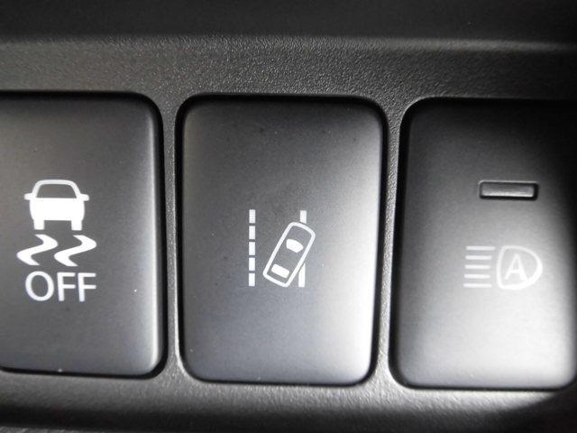 ハイウェイスター X Vセレクション 当社社有車 衝突被害軽減ブレーキ 日産純正メモリーナビ(MM319D-W)アラウンドビューモニター インテリジェントキー 左右オートスライドドア LEDヘッドライト アルミホイール(10枚目)