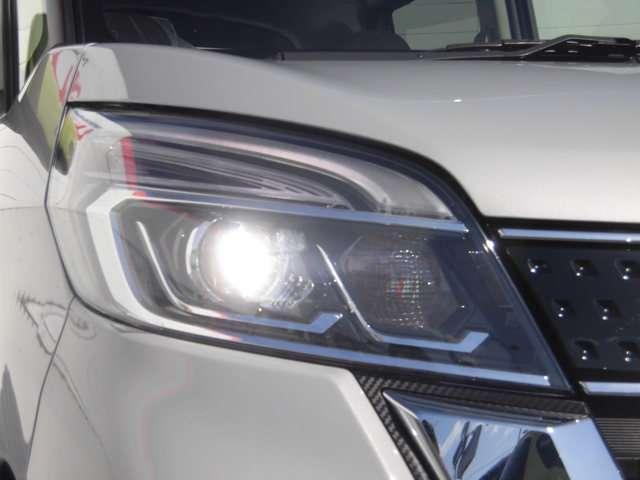 ハイウェイスター X Vセレクション 当社社有車 衝突被害軽減ブレーキ 日産純正メモリーナビ(MM319D-W)アラウンドビューモニター インテリジェントキー 左右オートスライドドア LEDヘッドライト アルミホイール(16枚目)