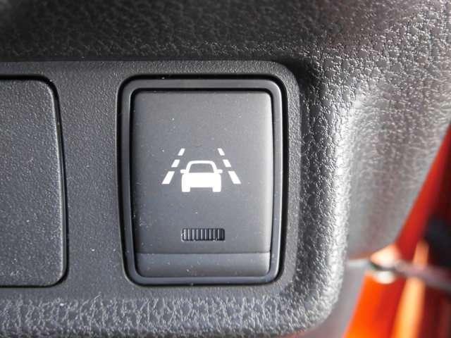 e-パワー X 当社社有車 衝突被害軽減ブレーキ 日産純正メモリーナビ アラウンドビューモニター スマートルームミラー インテリジェントキー ハイビームアシスト LEDヘッドライト アルミホイール(10枚目)