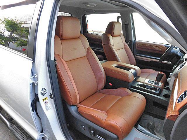 クルーマックス 1794エディション アルパイン8インチナビ フルセグTV サドルレザーブラウンシート シートヒーター&ベンチレーター ガラスサンルーフ オーバーフェンダー 20インチAW(13枚目)