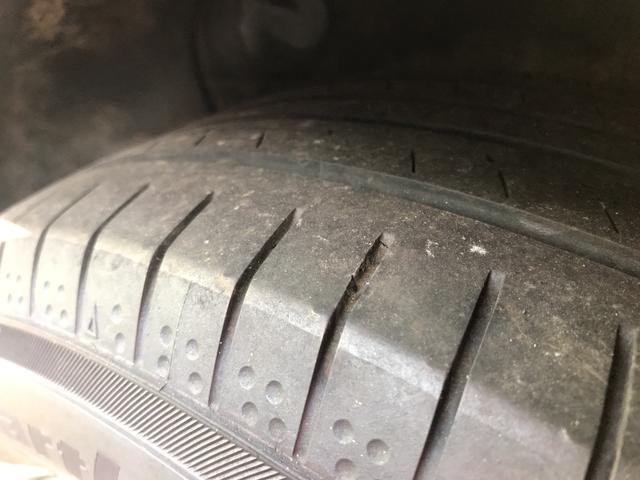 タイヤ溝もまだまだ残っています