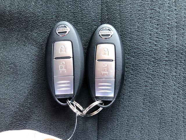 スマートキー付き!その名の通り、ポケットに入れたままでもドアのロック&アンロックが出来、とても便利です!