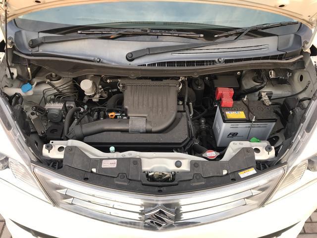 エンジンルームも非常に綺麗な状態です!勿論、ご納車までに点検を行うのでご安心ください!