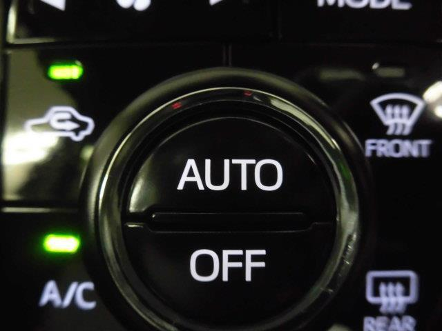 当社入庫時の厳選した車輌に対して、内外装・エンジンルーム・足回り他隅々までのクリーニングを心込めて丁寧に行っております!他社には負けない自信があります!
