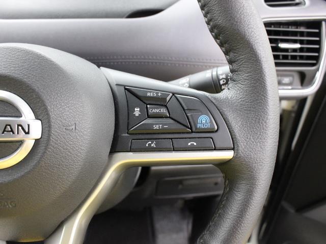 ハイウェイスターV フルセグ SDナビ DVD再生 ミュージックプレイヤー接続可 バックカメラ 衝突被害軽減システム ETC 両側電動スライド LEDヘッドランプ 乗車定員8人 3列シート ワンオーナー(14枚目)