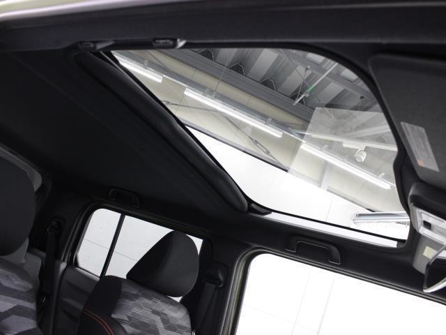 G サンルーフ 4WD 衝突被害軽減システム シートヒーター LEDヘッドランプ アイドリングストップ(17枚目)