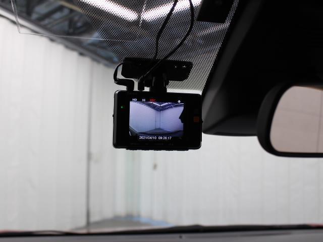 G Dレコ LEDヘットライト 地デジTV 3列 リアカメラ スマキー メモリ-ナビ キーフリー TVナビ ETC DVD イモビライザー CD ABS ワンオーナカー 両側電動D 横滑り防止 AAC(12枚目)