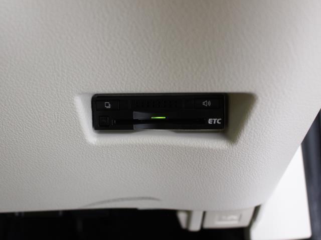G Dレコ LEDヘットライト 地デジTV 3列 リアカメラ スマキー メモリ-ナビ キーフリー TVナビ ETC DVD イモビライザー CD ABS ワンオーナカー 両側電動D 横滑り防止 AAC(13枚目)