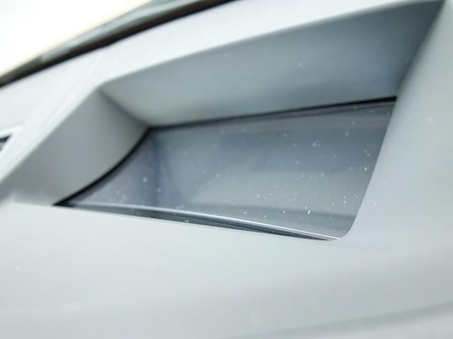 sDrive 18i MスポーツX登録済未使用車コンフォート(8枚目)