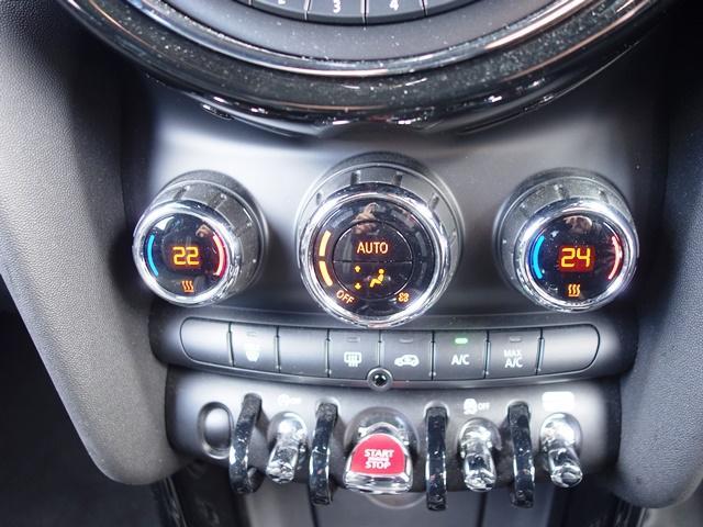 ジョンクーパーワークス ワンオーナー ペッパーPKG LEDヘッドライト 専用JCW17インチAW ヘッドアップディスプレイ ミラーETC レッドルーフ スポーツシート クルコン パドルシフト(18枚目)