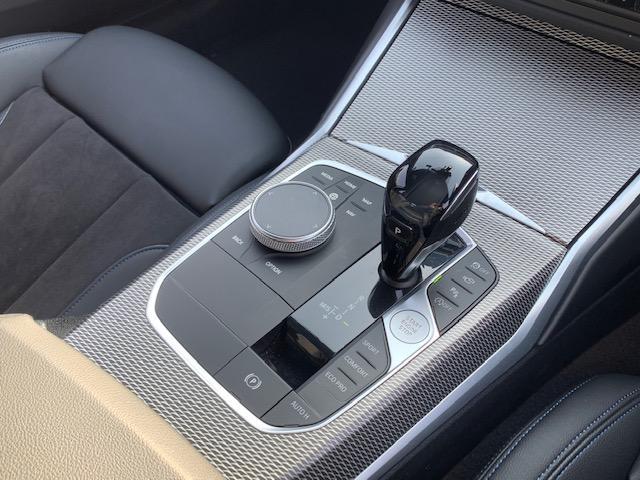320i Mスポーツ 元弊社デモカー 純正HDDナビ 全周囲カメラ シートヒーター LEDヘッドライト アクティブクルーズコントロール 電動フロントシート 純正18インチAW Bluetooth接続 ミラーETC 認定保証(11枚目)