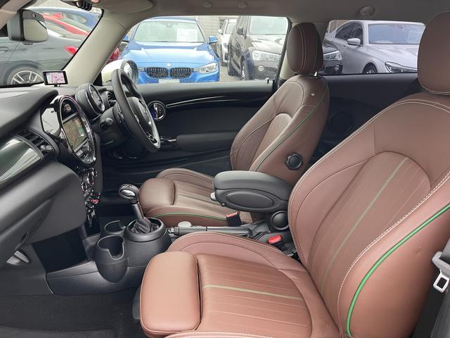 クーパーSD 60イヤーズエディション 60イヤーズエディションワンオーナー車LEDヘッドライトブラウンレザーシートヒーターバックモニターパークディスタンスコントロールコンフォートアクセス純正AWドライビングモードミラーETC(13枚目)
