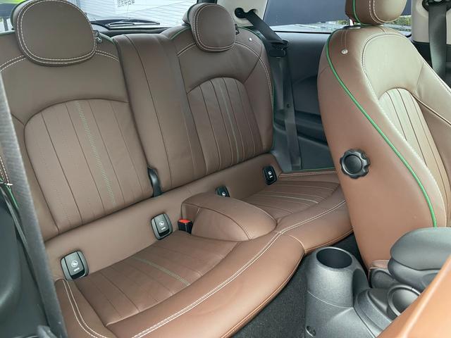 クーパーSD 60イヤーズエディション 60イヤーズエディションワンオーナー車LEDヘッドライトブラウンレザーシートヒーターバックモニターパークディスタンスコントロールコンフォートアクセス純正AWドライビングモードミラーETC(34枚目)