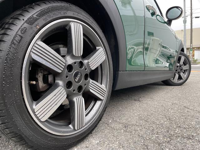 クーパーSD 60イヤーズエディション 60イヤーズエディションワンオーナー車LEDヘッドライトブラウンレザーシートヒーターバックモニターパークディスタンスコントロールコンフォートアクセス純正AWドライビングモードミラーETC(50枚目)