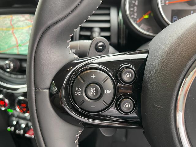 クーパーSD 60イヤーズエディション 60イヤーズエディションワンオーナー車LEDヘッドライトブラウンレザーシートヒーターバックモニターパークディスタンスコントロールコンフォートアクセス純正AWドライビングモードミラーETC(66枚目)