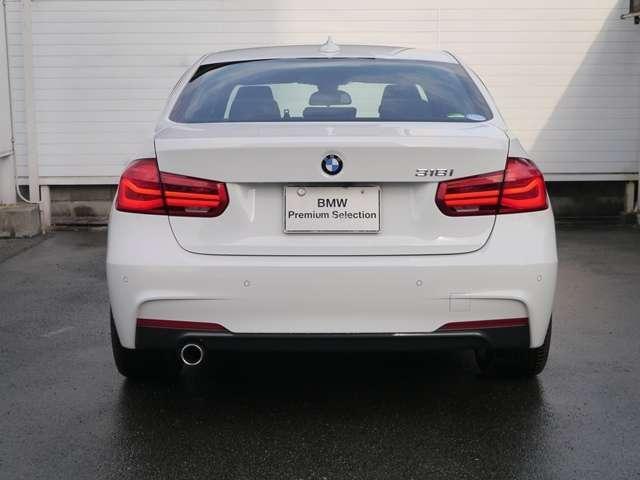BMW BMW 318i MスポーツLEDヘッドライトHDDナビ衝突軽減B
