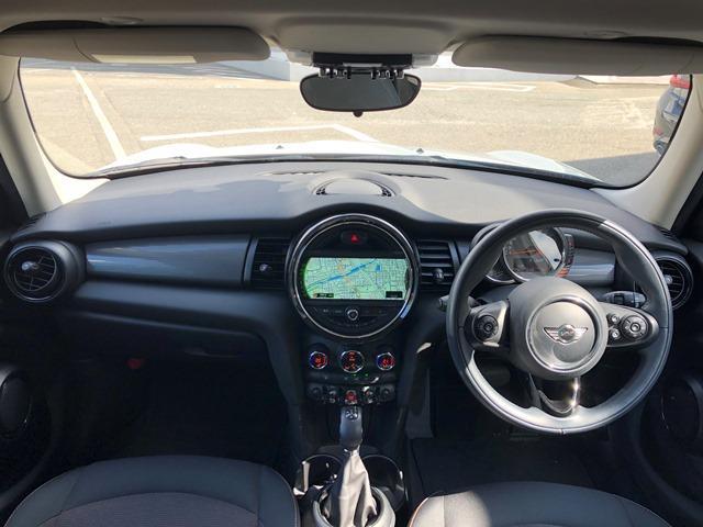 クーパーD ・認定保証・バックカメラ・PDCセンサー・LEDヘッドライト・ETC・クルーズコントロール・コンフォートアクセス・純正HDDナビ・純正アルミ・ブラックルーフ・アームレスト・F55(6枚目)