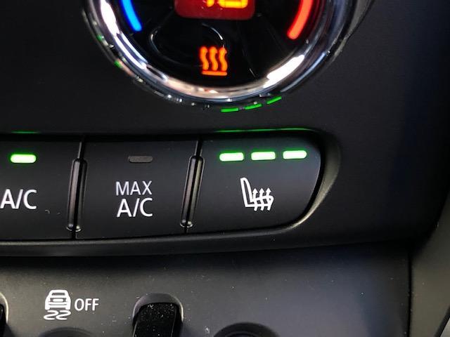 クーパー クラブマン 純HDDナビ・ワンオーナー・ベーガンディ革・シートヒーター・アイドリングストップ・メモリー機能付電動シート・ETC・フォグライト・純正AW・ステップトロニック・ブラックルーフ・ドライビングモードF54(29枚目)