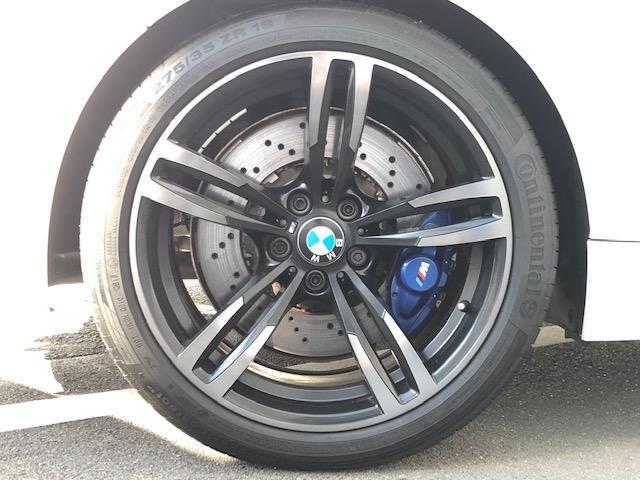 M4クーペ カーボンインテリア・純HDDナビ・LEDヘッドライト・ブレーキ軽減・レーンチェンジウォーニング・SOSコール・レーンディパチャーウォーニング・バックカメラ・PDCセンサー・黒革・シートヒーター・LED(16枚目)