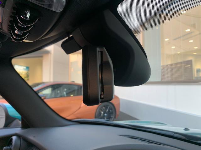 クーパーS コンバーチブル カメラパーキングアシスト・ペッパーパッケージ・エキサイトメントパッケージ・ライトパッケージ・ACC・純正HDDナビ・フロントシートヒーター・ミラー内臓ETC・ユニオンジャックテールランプ(19枚目)