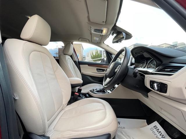 218dアクティブツアラー セレクション ・特別使用車・アクティブクルーズコントロール・LEDjヘッドライト・ブレーキ軽減システム・レーンディパチャーウォーニング・SOSコール・コネクティッドドライブ・オートトランク・ヘッドアップディスプレイ(11枚目)